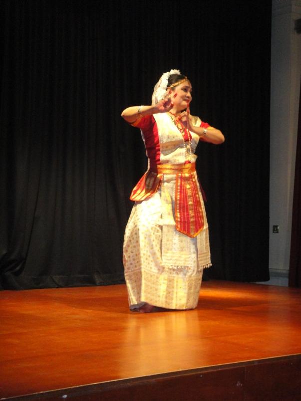 Sharodi Saikia draw accolades at Nehru Centre, London
