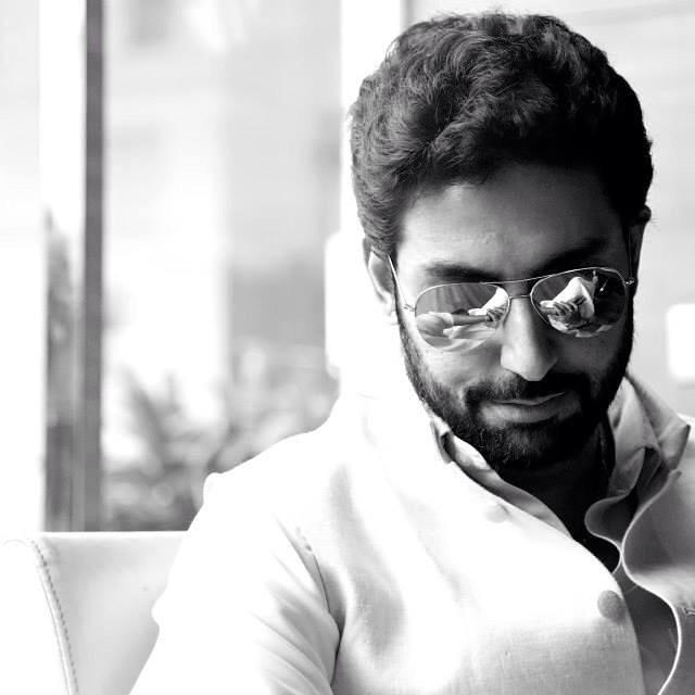 Video: Abhishek Bachchan pulls an April Fool's Day prank on a fan