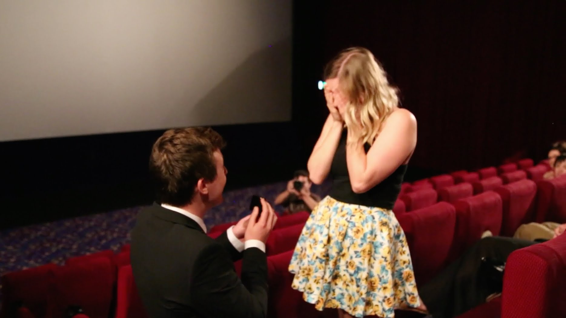 Video: Guys like these raise the bar, rest of the boyfriends suffer!