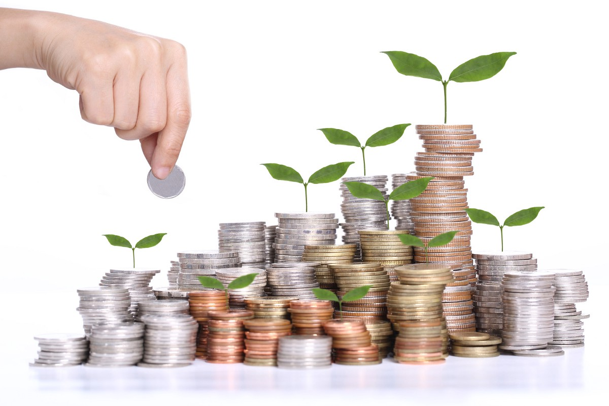 Money Matters : Advice to save smart and early