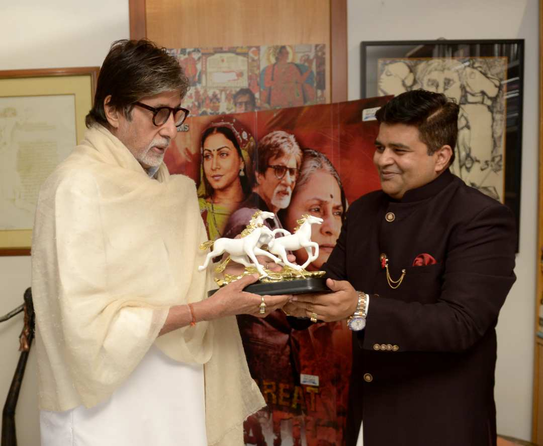 Global Advertisers joins hands with Amitabh Bachchan's The Great Leader