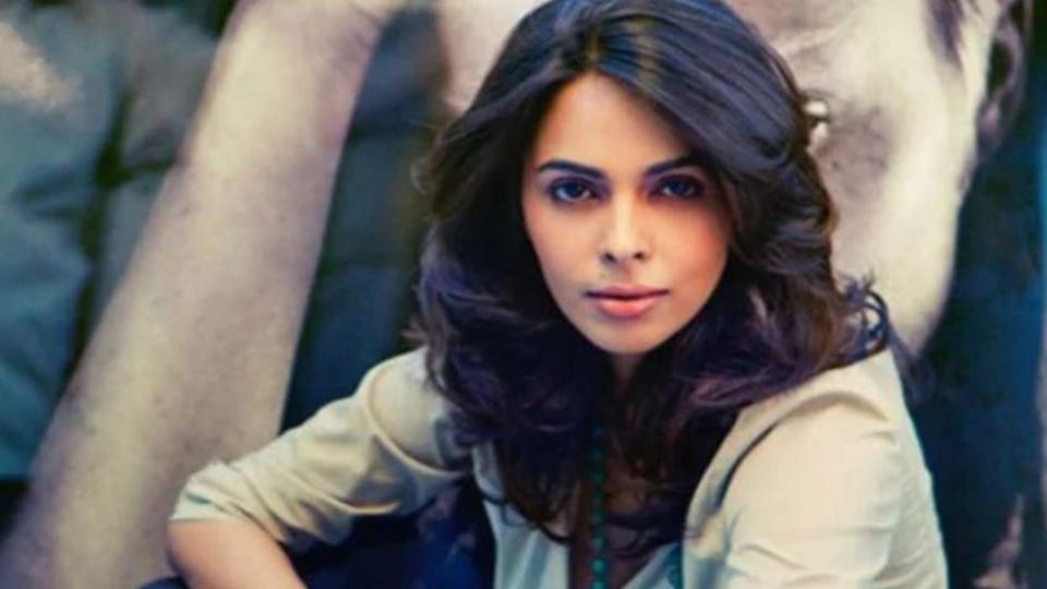 Mallika Sherawat Can't Hear Questions, Check Out Why!